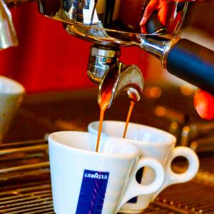 Espresso hazırlarken bir diğer adım ise makinanın kullanımıdır.